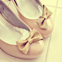 gold bow shoe clips.