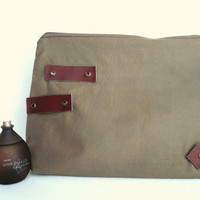 Military Necessaire / Men travel necessaire by LiduvinaDesign