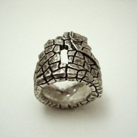 $110.00 Ruins Ring by TheGoldenPlague on Etsy