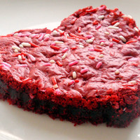 Jumbo Red Velvet Cake Batter Blondie - Giant Heart Shape Valentine's Day Chocolate Cookie Bar