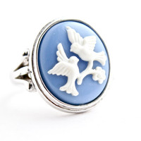 Vintage Bird Cameo Ring -  Silver Tone Size 7 1/2 Signed Avon Costume Jewelry / White on Blue Love Bird Silhouette