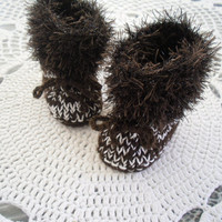 Baby booties, high leg style, super warm, furry trimmed, handknit  Autumn, Winter  Baby shower gift