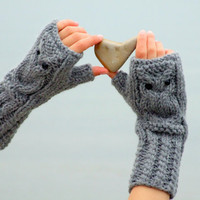 Owl fingerless gloves in gray by CozySeason on Etsy