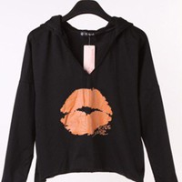 Round Neck Lip Batwing Sleeve Hoodie,Cheap in Wendybox.com