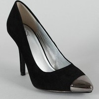 Delicious Expo-S Pointy Toe Cap Pump