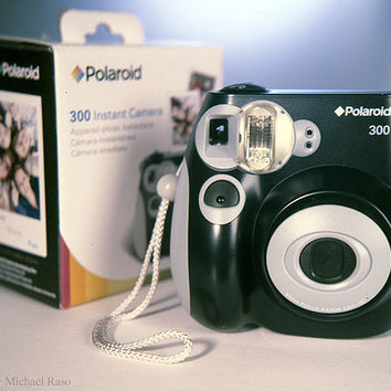 Amazon.com: Polaroid 300 Instant Camera PIC-300L: Camera & Photo