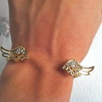Angel wings cuffed bracelet