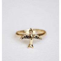 Tiny Bird Ring Gold