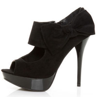 Anne Michelle Dynamite 37 Black Cutout Peep Toe Pumps