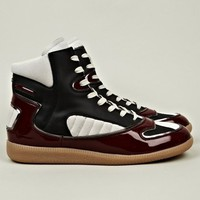 22 Men's High Top Sneaker