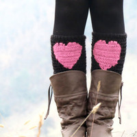 Valentines Day Sale - Pink Black Short Heart Knit Boot Cuffs. Love Heart Short Leg Warmers. Crochet heart Boot Cuffs. Legwear pink black