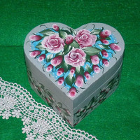 Essenceofthesouth Hand Painted Wood Heart Box, Red Roses & Lace Heart Keepsake Box, Bridesmaid Gift