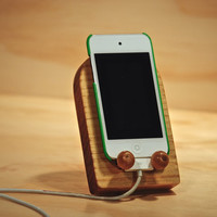 "Notched Art's ""Tombstone Recliner"" stand for iPhone, iPod and other mobile devices"