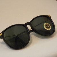 Vintage Deadstock RETRO BLACK Frame Sunglasses by VintageSunnys