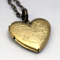 Personalized Locket Necklace - Personalized Heart Locket