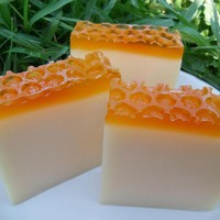 Honey Almond Soap on Luulla