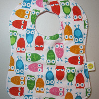 Girl's Owl Bib - Light Pink Antipill Fleece - Ann Kelle Staggered Owls - Baby Girl