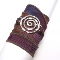 Silk Ribbon Bracelet with Circle Connector | charmed design
