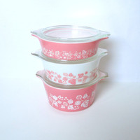Set of 3 Pyrex Casserole Dishes in Pink by ItchforKitsch on Etsy