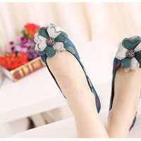 Casual Women's Flat Shoes With Colorful Rhinestone and Flower Design
