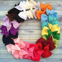 CUSTOMER FAVORITE / 20 hair bows / 100 by FallenStarCoutureInc