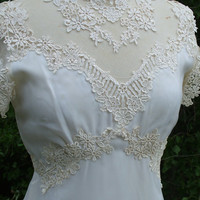 Wedding Dress 1970s Vintage Gown Fitted by RetroVintageWeddings