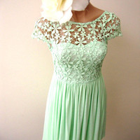 NWT SIZE 6 mint green CR...