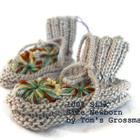 Organic Newborn-Booties, Silk Plant.. on Luulla