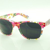 New Retro Wayfarer Stylish Printed Sunglasses