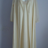 Vintage Kayser Natural Soft Beige Peignoir Set