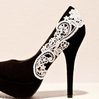Black Pumps with White Venise Lace  Size 8 by LaPlumeEthere