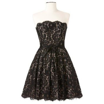 NEW DESIGNER ROBERT RODRIGUEZ GORGEOUS LACE COCKTAIL DRESS SIZE 4 NEIMAN MARCUS