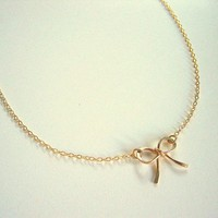 Gold Bow Necklace, Gold Ribbon Neck.. on Luulla
