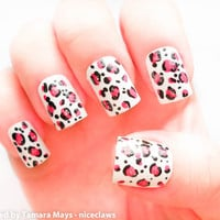 Fuchsia Pink Leopard Print Fake Nails with Glitter on White