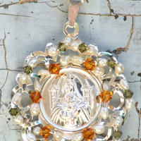 Pendant Sterling Silver Medallion with pearls and by Daniblu
