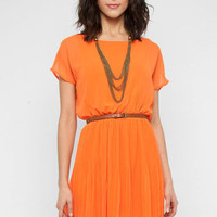 Sara Chiffon Pleated Dress in Tangerine :: tobi