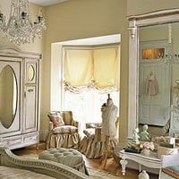 Dreamy Chamber decor / sigh... the perfect shabby chic / french style bedroom