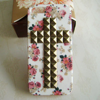 iphone 5 case, Bronze Cross Studded Iphone Case, Vintage red Flower  white Iphone 5 Case,Rural style, Hard case for iphone 5
