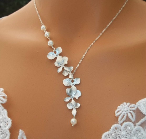 Orchid Necklace - Freshwater Pearl from LadyKJewelry on Etsy
