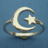 Cresent moon and Star Ring in Sterling Silver - US 3 - 13