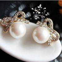 Vintage Pearl Bow Earring stud