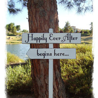 HaPPiLy EVeR AfTeR SiGn HaPPiLY EVeR AfTeR by lizzieandcompany
