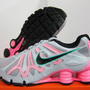 NEW NIKE WOMENS SHOX TUR...