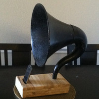 Acoustic iPhone Speaker Dock Utilizing a Vintage by ReAcoustic