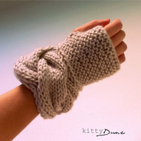 Women's fingerless gloves in Linen by KittyDune on Etsy