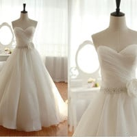 Vintage Organza Wedding Dress Bridal Gown Strapless Sweetheart Beaded Crystals Flower Belt Sash Prom Ball Gown Plus Size Wedding Dress Train