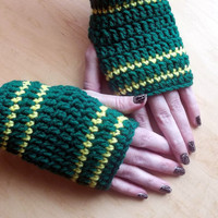 Fingerless Gloves Crocheted Green Bay Packers by PowersOfLove