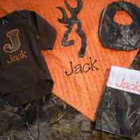 Baby Boy Gift Set - RealTree Camo - Personalized Blanket, Onesuit, Burp Cloth and Dribbler Bib