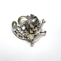 Pirate Skull Locket Ring, (sw)