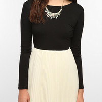 Urban Outfitters - KNT By Kova & T Long-Sleeved Windsor Dress